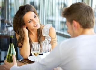 lenguaje-corporal-femenino-cuando-le-gusta-un-hombre-
